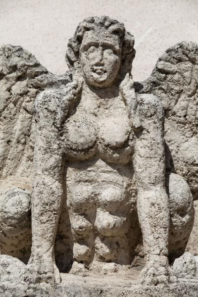 Close-up of one of the many sculptures in the museo nazionale di Diocleziano | Baths of Diocletian | Italy