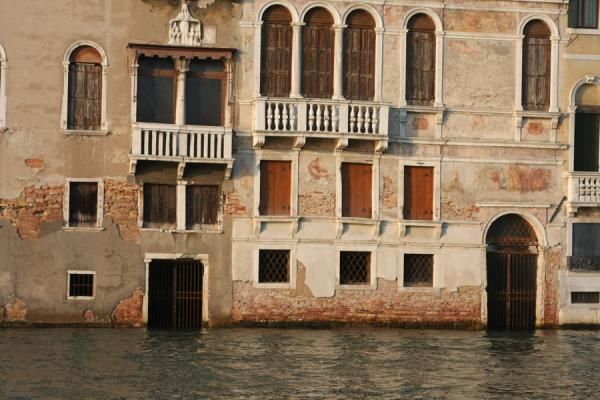 Picture of Canal Grande (Italy): Detailed view of palazzi on the Canal Grande