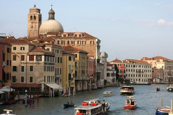 Picture of Canal Grande (Italy): Many boats serving the Canal Grande