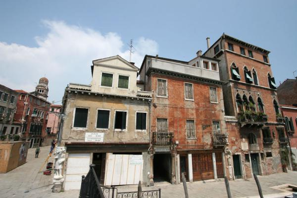 House where Tintoretto lived with the Madonna dell'Orto church in the background | Cannaregio | Italy