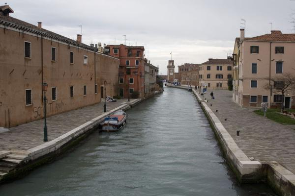 Picture of Arsenale Canal with one of the towers of the Arsenale