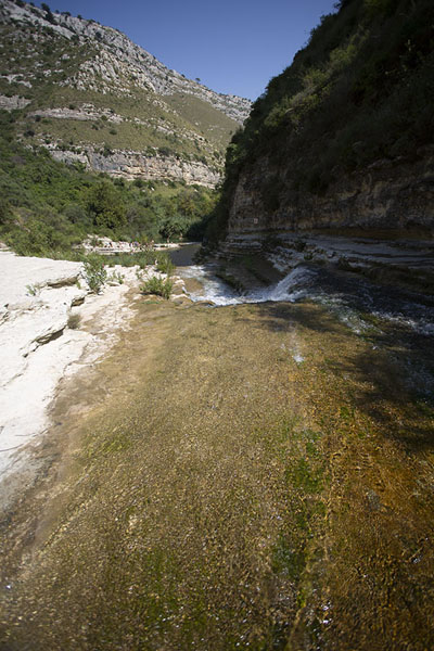 View of the pools from one of the rapids | Cava Grande del Cassibile | Italië
