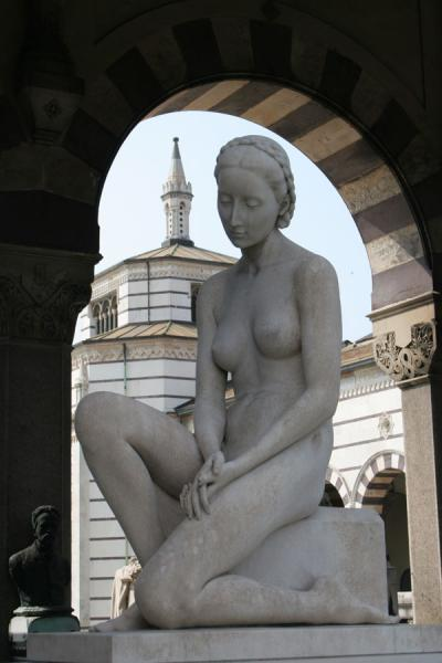 Picture of Female nude sculpture near the Famedio in the Cimitero Monumentale