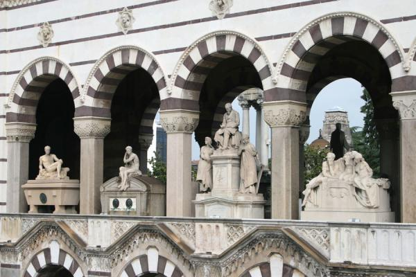 Arches and scultpures in the main building of the Cimitero Monumentale | Monumental Cemetery | Italy