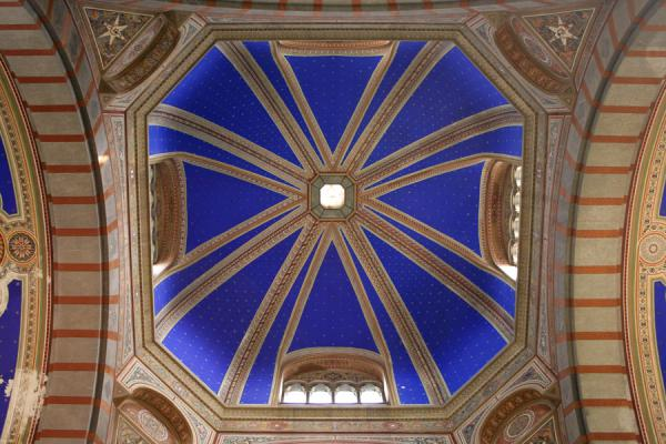 The ceiling of the Famedio in the Cimitero Monumentale | Monumental Cemetery | Italy