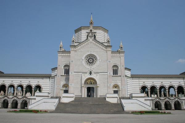 Famedio and entrance of the Cimitero Monumentale | Monumental Cemetery | Italy