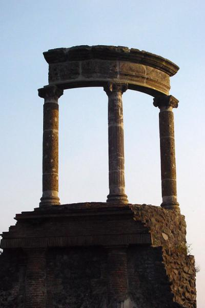 Picture of Remains of temple at Pompei