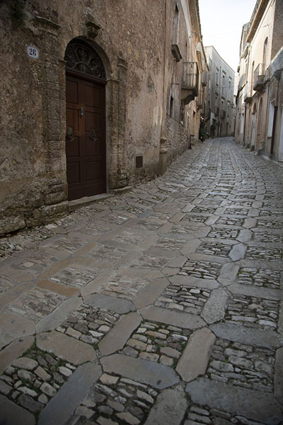 One of the many alleys of Erice | Erice | Italië