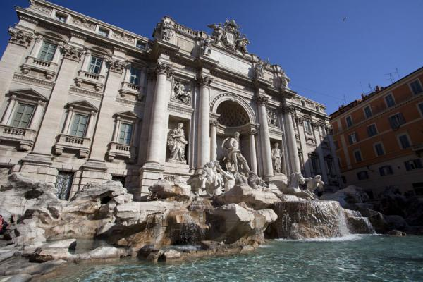 Side view of the Trevi Fountain | Trevi fountain | Italy