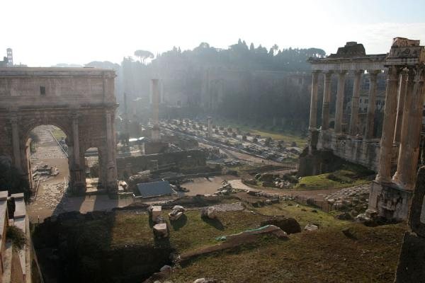 The Forum Romanum seen from above with the Arch of Septimus Severus | Forum Romanum | Italy