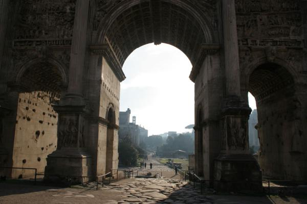 Looking through the Arch of Septimus Severus | Forum Romanum | Italy