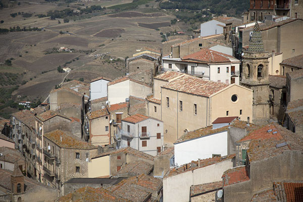 View of the houses and San Salvatore church of Gangi - 意大利