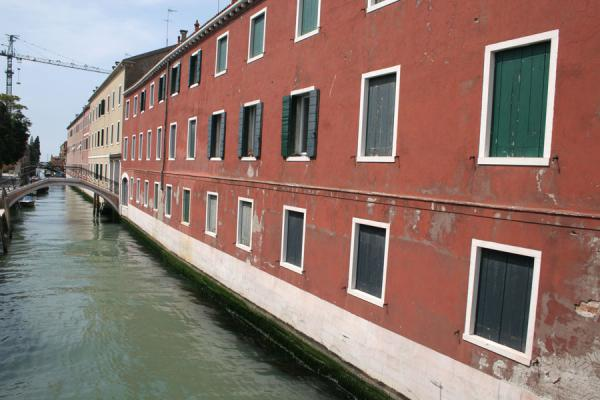 Recurrent colour of houses in Giudecca | Giudecca | Italy
