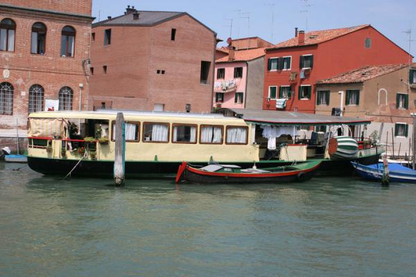 Picture of Canalboat serving as a houseboat in Giudecca canal