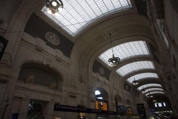 Central hall of Milano Centrale railway station | Milan Central Station | Italy