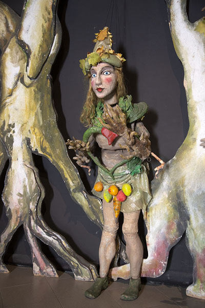 Sicilian puppet with vegetables | Marionettenmuseum | Italië