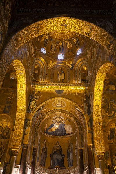 The Cappella Palatina in the Palazzo dei Normanni, looking towards Christ Pantocrator | Palazzo dei Normanni | Italy