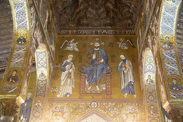 Foto di Mosaics on the walls of the Cappella PalatinaPalermo - Italia