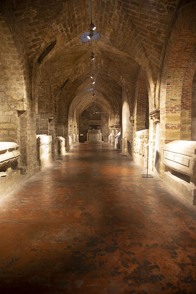 The crypt with graves in the cathedral of Palermo | Palermo kerken | Italië
