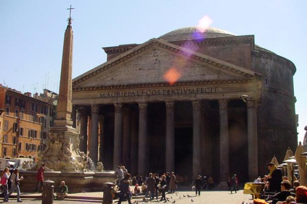 The Pantheon and the fountain from the Piazza della Rotonda | Pantheon | Italy