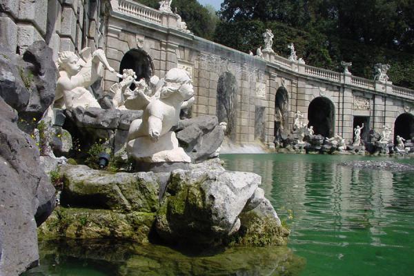 Picture of Reggia Caserta (Italy): Fountain and statues in Reggia Caserta