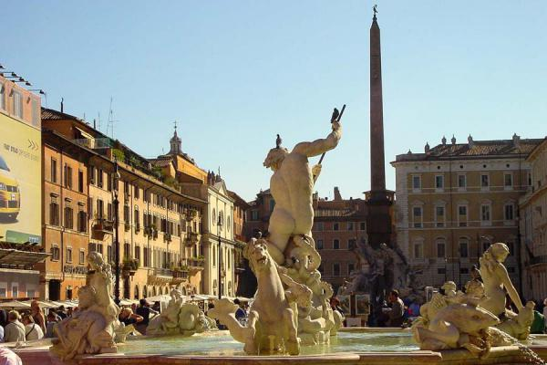 Picture of Fountains in Rome (Italy): Piazza Navona, Fontana del Nettuno, Rome
