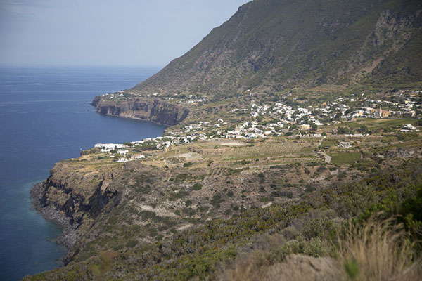 Foto van View of the north coast of Salina with MalfaSalina - Italië