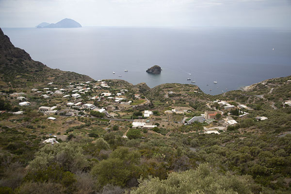 View over Pollara and the Tyrrhenian with Filicudi in the distance - 意大利