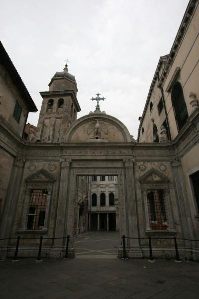 Picture of San Polo (Italy): One of the many churches in San Polo district