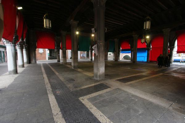 The empty fish market in San Polo district | San Polo | Italy