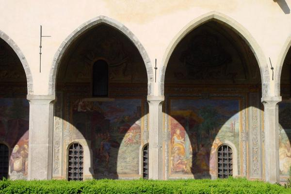 Some of the arches - you can see the frescoes behind the pillars | Santa Chiara | Italy