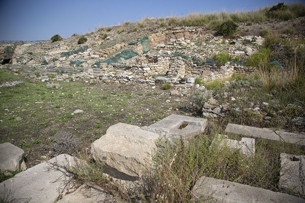 Photo de Ruins of what was a large villa near the agora of SegestaSegesta - l'Italie