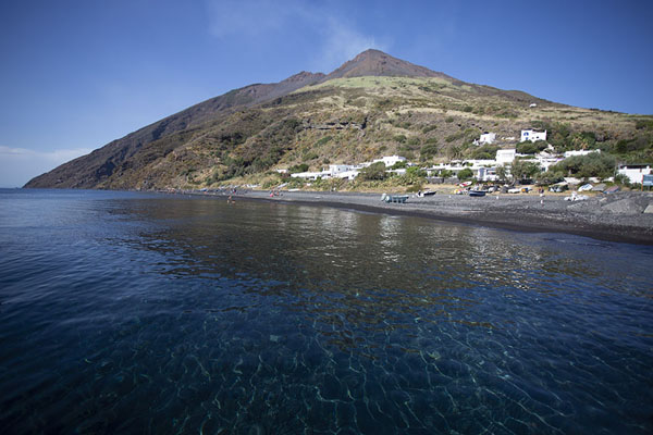Foto van The crystal clear waters surrounding the top of Stromboli volcanoStromboli - Italië