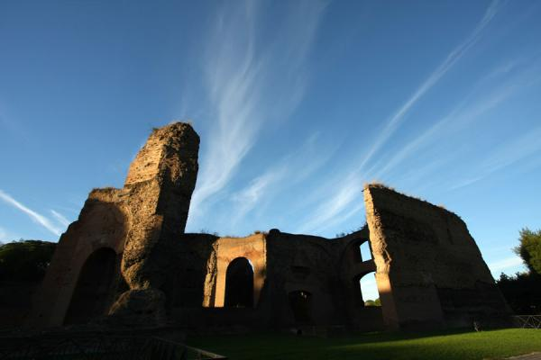 Picture of Baths of Caracalla (Italy): Baths of Caracalla: side building