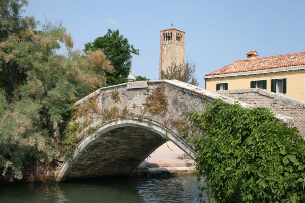 Picture of Torcello (Italy): Torcello: bell tower of Santa Maria Assunta Cathedral with bridge and canal
