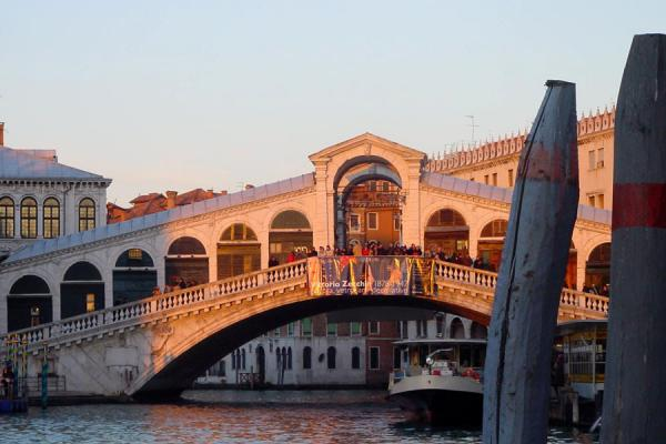 Picture of Rialto Bridge over Canal Grande just before sunset - Italy - Europe