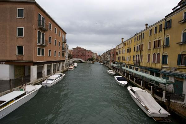 Foto di One of the quiet canals of VeniceVenezia - Italia