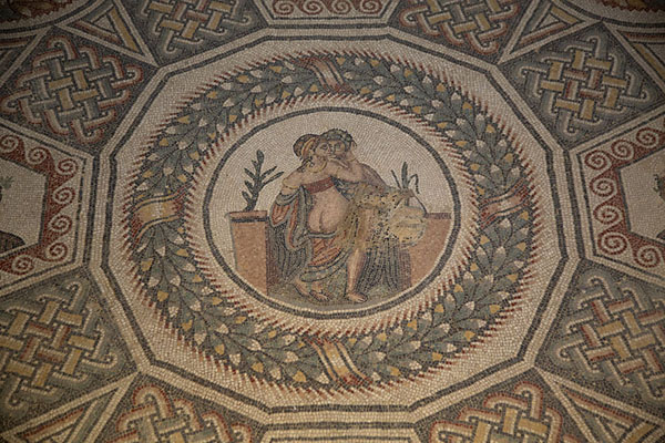 Erotic mosaic in one of the rooms of the villa - 意大利