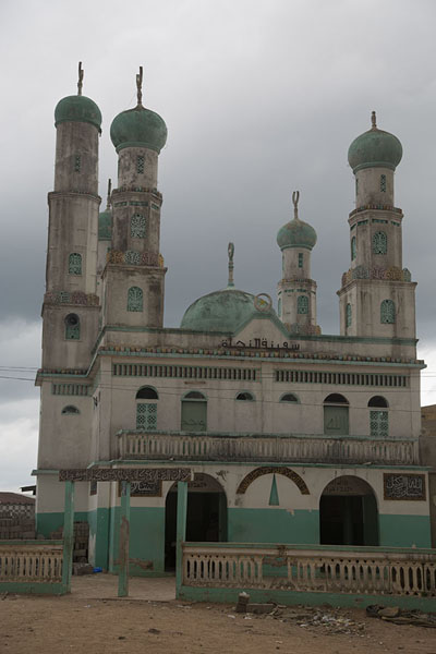 Foto van The green and white minarets of the Koudouss mosqueBondoukou - Ivoorkust