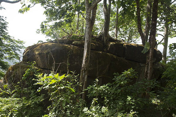 Photo de Remains of an old settlement just under the summit of La Dent de Man - Côte d'Ivoire - Afrique