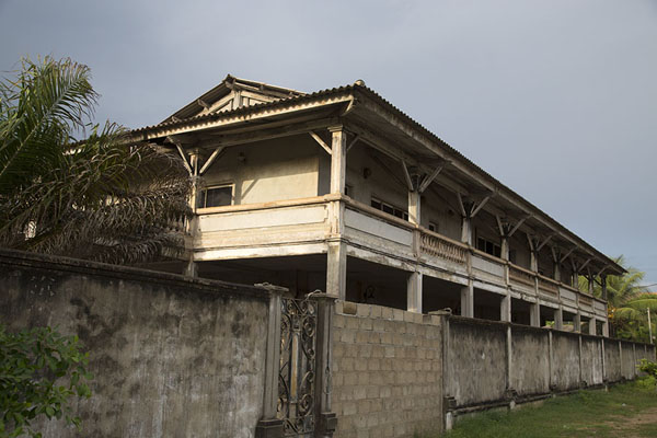One of the colonial buildings of Grand Bassam | Grand Bassam | 象牙海岸