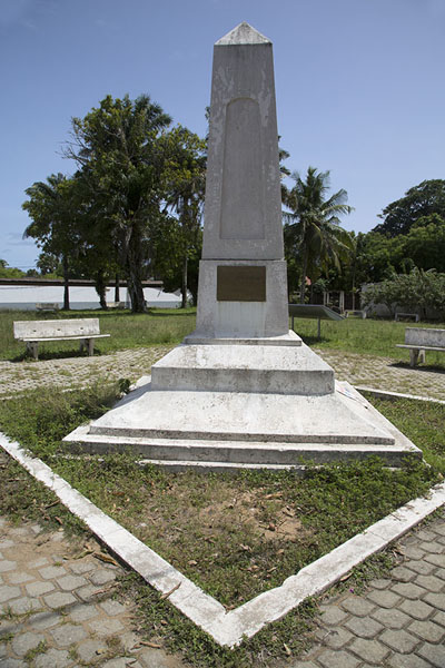 Monument for Treich-Laplène, the French explorer and first governor of Ivory Coast - 象牙海岸