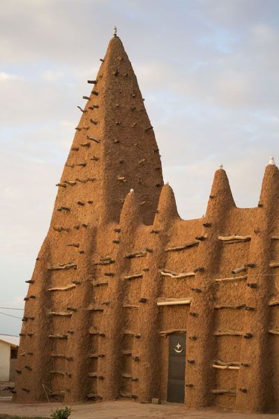 Picture of Mosque of Kong with tower and ribbed wall with wooden spikes - Ivory Coast - Africa