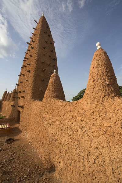 Wall and tower at the mosque of Kong | Kong mosque | Ivory Coast