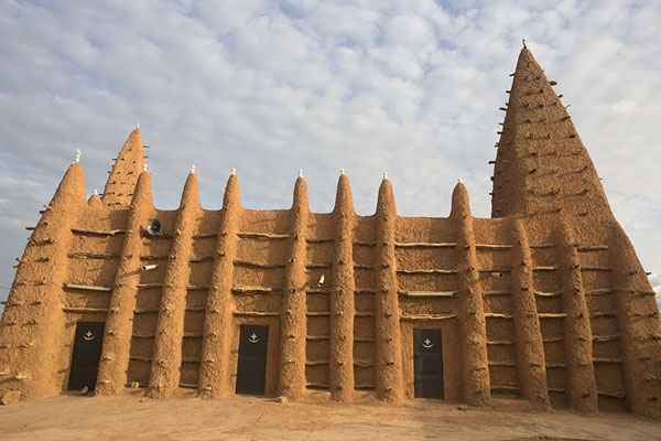 Northern wall of the mosque of Kong | Kong mosque | Ivory Coast