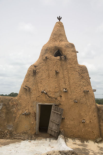 The small tower with meditation niche on the roof of the mosque of Sorobango | Mezquita de Sorobango | Costa Marfil