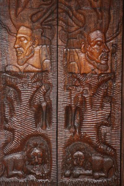Foto van Bob Marley in a carved door - Jamaica - Amerika