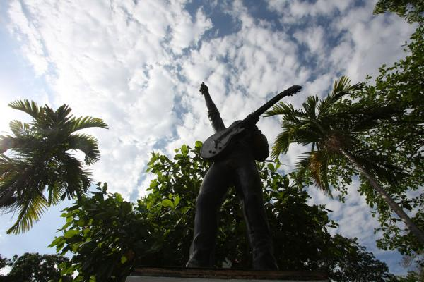 Statue of Bob Marley seen from below | Bob Marley Museum | Jamaica