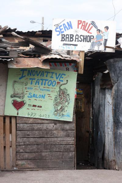 Foto van Barber and tattoo shop in the market of KingstonKingston - Jamaica
