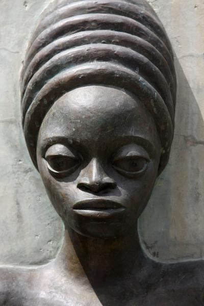 Picture of Close-up of head of a woman at the monument for Norman Manley